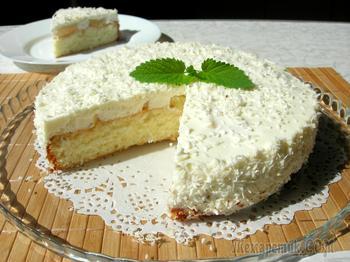 """Торт """"Пина Колада"""" на основе бисквита и нежного суфле"""
