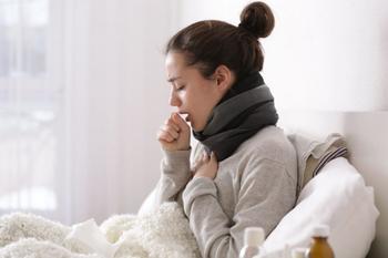 Советы, которые помогут устранить слизь и мокроту из горла