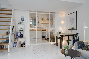 Квартира 38 кв.м. с мезонином и кухней за стеклом