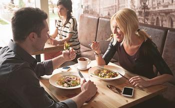 9 способов увидеть истинное лицо партнера