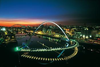 10 потрясающих разводных мостов со всего мира