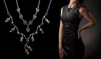 Как правильно подобрать ожерелье под наряд