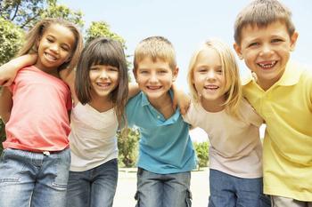 Что делать, если вам не нравятся друзья ребенка: советы психолога