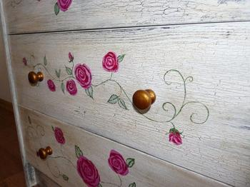 Как украсить комод росписью акриловыми красками