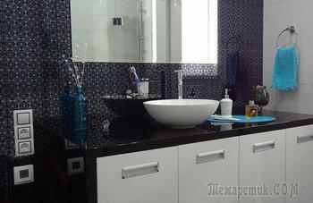 Глянцевый стерильный интерьер в ванной комнате