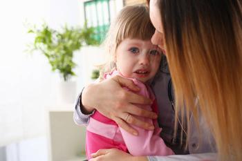 Чего боятся дети до 3 лет и как с этим бороться
