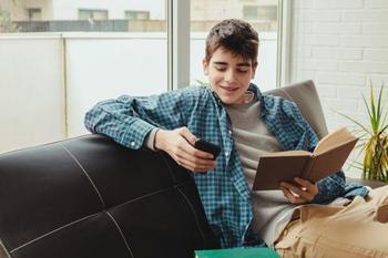 3 нескучных способа привить подростку любовь к чтению