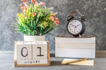Общий гороскоп на август 2021: Близнецы улучшат материальное положение