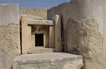 Древние памятники архитектуры с неразгаданной историей