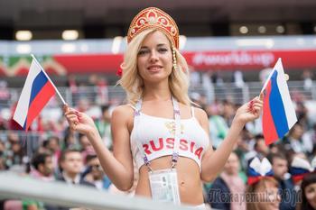 «Нет сексизму»: ФИФА спрячет красивых фанаток