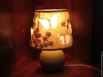 Ночник из фетра со светящимися бабочками