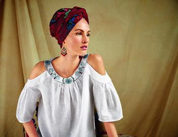 Как украсить блузку вышивкой