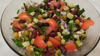 Яркий салат с красной фасолью