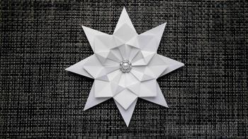 Как сделать снежинку из бумаги на Новый год и Рождество