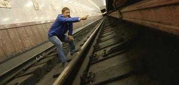 Что делать, если вы упали с платформы в метро