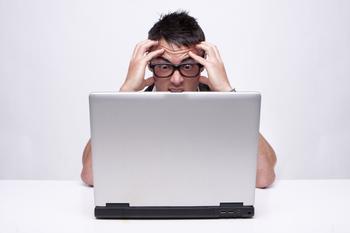 Мерцает экран на ноутбуке: эффективные способы решения проблемы
