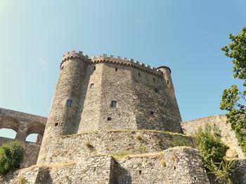 Сказочные замки Тосканы: 10 древних сооружений, в которых можно пожить