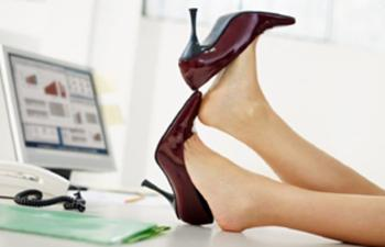 Как разносить неудобную обувь без единой мозоли: Хитрости, подсмотренные у моделей