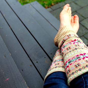Теплые гетры из свитера