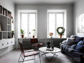 Небольшая шведская квартира со спальней под потолком (44 кв. м)