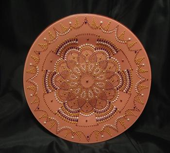 Точечная роспись декоративной тарелки