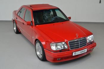 Редкий зверь: Mercedes E60 AMG 1995 года продают по цене нового S-Class