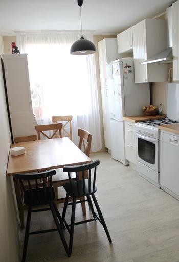 Простая, но очень уютная кухня