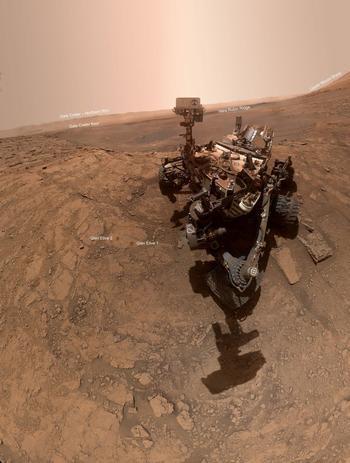 20 фотографий с Марса, сделанных марсоходом НАСА «Кьюриосити», который пробыл на красной планете 7 лет