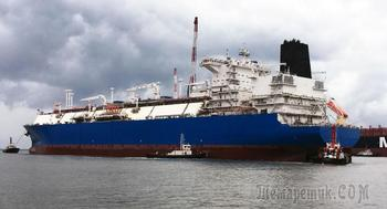 В обход Украины: РФ перебросила плавучий СПГ-терминал из Калининграда в ЕС