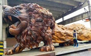Самая большая скульптура из цельного дерева