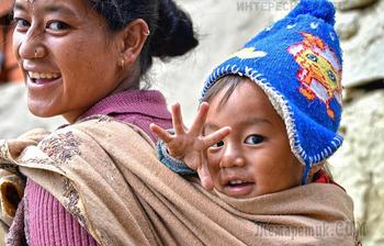 28 поразительных фото о матерях и детях из разных стран мира