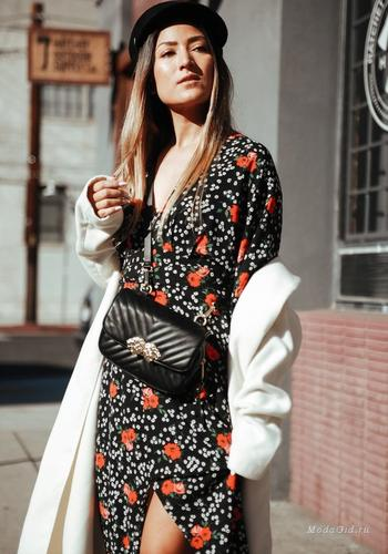 Романтика в городе – как носить летнее платье с цветочным принтом