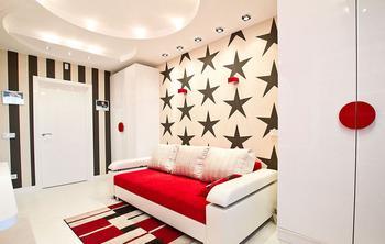 Красное и белое в интерьере детской комнаты