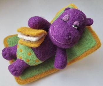 Очаровательные игрушки из войлока