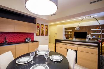 Яркая квартира в Москве площадью 90 м²