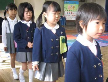Школы, где мальчиков учат шить, а учитель – добрый приятель: Чем японское образование отличается от российского