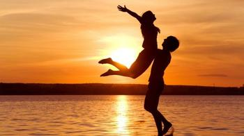 Три знака Зодиака которые летом 2019 сменят партнера встретив любовь