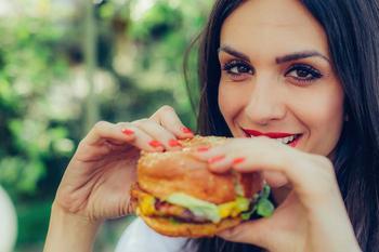 5 привычек питания на карантине, которые убивают ваш иммунитет
