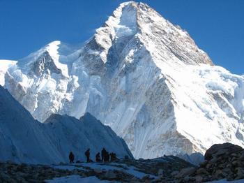 Самые большие горы в мире: что ожидает людей при восхождении?