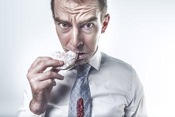 Несладкая жизнь: почему мы не можем отказаться от сахара