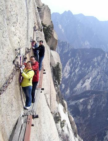 6 самых опасных туристических маршрутов