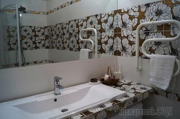 Ванная комната: нарядный интерьер