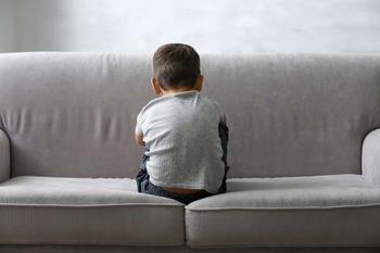 Кого надо ставить на первое место: ребенка или мужа?