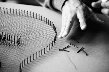 Стринг-арт — картины из гвоздей и нитей: что это и как ему научиться