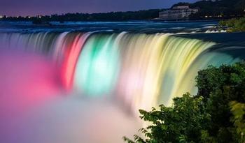 Топ-10 мест, которые нужно посетить в Канаде