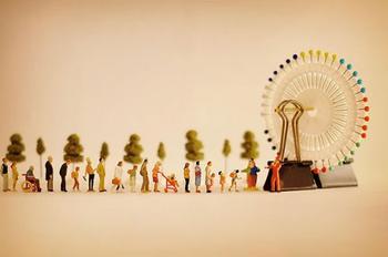Миниатюрный календарь японского художника Танаки Тацуя