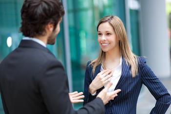 10 способов начать разговор, которые наверняка заинтересуют собеседника