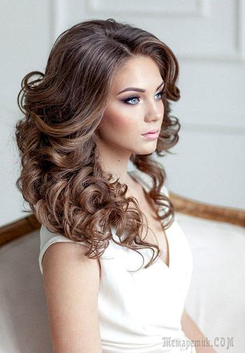 Красивые прически на кудри — укладки на средние и длинные волосы