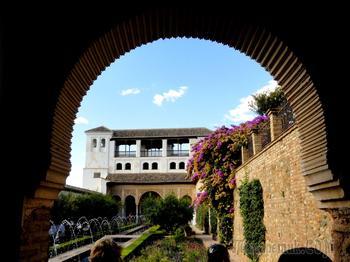 От Португалии до Болгарии. Альгамбра - мавританский шедевр в Гранаде
