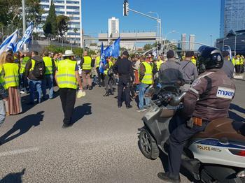 """""""Желтые жилеты"""" оказались заразными: протесты начались в других странах"""